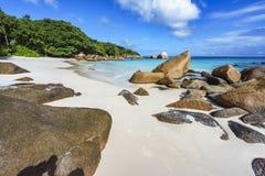 在anse拉齐奥, praslin,塞舌尔群岛86的惊人的天堂海滩 免版税库存图片