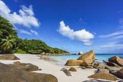 在anse拉齐奥, praslin,塞舌尔群岛89的惊人的天堂海滩 免版税图库摄影