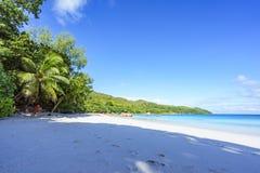 在anse拉齐奥, praslin,塞舌尔群岛16的惊人的天堂海滩 库存照片