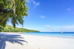 在anse拉齐奥, praslin,塞舌尔群岛23的惊人的天堂海滩 免版税图库摄影