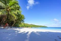 在anse拉齐奥, praslin,塞舌尔群岛19的惊人的天堂海滩 免版税图库摄影