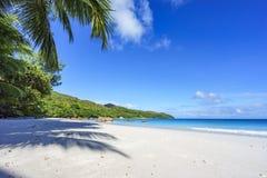 在anse拉齐奥, praslin,塞舌尔群岛28的惊人的天堂海滩 库存图片