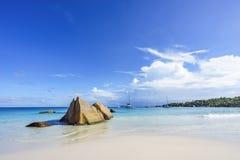 在anse拉齐奥, praslin,塞舌尔群岛58的惊人的天堂海滩 免版税库存图片