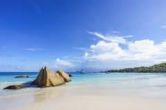 在anse拉齐奥, praslin,塞舌尔群岛59的惊人的天堂海滩 免版税库存照片