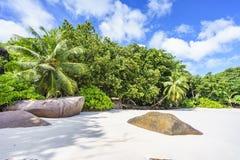 在anse拉齐奥, praslin,塞舌尔群岛92的惊人的天堂海滩 库存照片