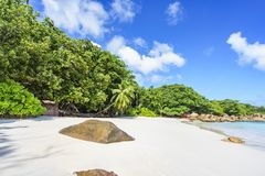 在anse拉齐奥, praslin,塞舌尔群岛93的惊人的天堂海滩 图库摄影