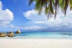 在anse拉齐奥, praslin,塞舌尔群岛98的惊人的天堂海滩 库存照片
