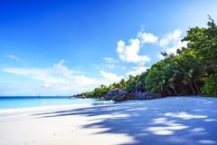 在anse拉齐奥, praslin,塞舌尔群岛4的惊人的天堂海滩 免版税库存照片