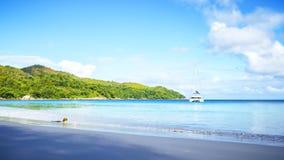 在anse拉齐奥, praslin,塞舌尔群岛2的惊人的天堂海滩 免版税库存图片