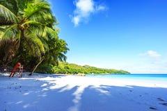 在anse拉齐奥, praslin,塞舌尔群岛19的惊人的天堂海滩 库存图片