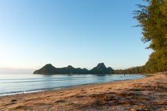 在Ao Manao海滩,班武里府的日出 库存照片