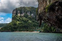 在Ao Nang,泰国的美好的scenarie 免版税库存照片