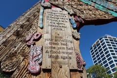 在Aotea广场,奥克兰的传统毛利人词条门 免版税图库摄影