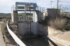 在Aquaduct的水门 免版税库存照片