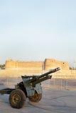 在Arad堡垒的大炮生火打破的快速在晚上 图库摄影