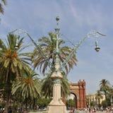 在Arc de Triomf,巴塞罗那的美好的灯岗位 库存图片