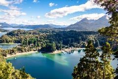 在Arrayanes国家公园-别墅La苦味液,巴塔哥尼亚,阿根廷的巴伊亚Mansa观点 免版税库存图片