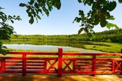 在arxan天堂水池的扶手栏杆 免版税库存图片