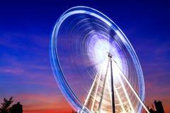 在Asiatique曼谷泰国,暮色,日落的弗累斯大转轮 图库摄影