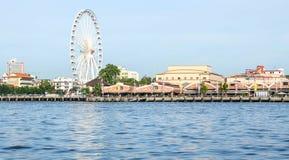 在Asiatique曼谷,泰国的弗累斯大转轮 库存照片