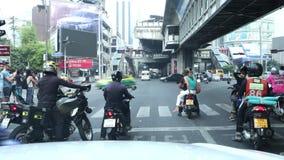 在Asoke交叉点, Sukhumvit路曼谷泰国, 2018年3月12日交易 股票录像