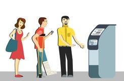 在ATM的队列 不悦的人民为被隔绝的背景站在队中 拐杖的一个人在队列 终端machin 免版税图库摄影