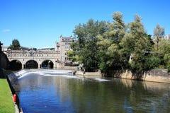 在Avon桥梁pulteney河间 免版税库存照片