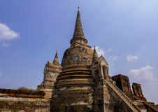 在Ayuthaya,泰国的印象深刻的Chedi 图库摄影