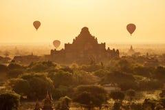 在Bagan的气球 免版税库存图片