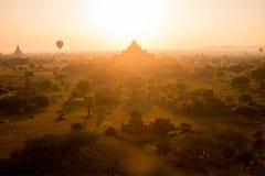 在Bagan的气球 免版税库存照片
