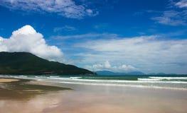 在bai戴海滩的天 免版税库存照片