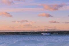 在Baikal湖的日落 西伯利亚,俄国 免版税库存照片