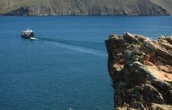 在Baikal湖的载汽车轮船 库存照片