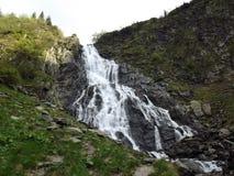 在Balea紫胶附近的瀑布 免版税库存照片