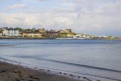 在Ballyholme海湾的BallyholmeYacht俱乐部大厦在曼格 免版税库存图片