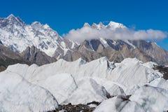 在Baltoro冰川, K2艰苦跋涉,斯卡都,基尔吉特,巴基斯坦的大冰 库存图片