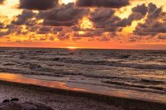 在Baltyk海的美好的日落 免版税库存照片