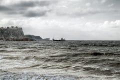 在Balycastle码头, Co的小船着陆 安特里姆,北爱尔兰 免版税库存照片
