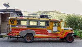 在Banaue乡的一jeepney在Ifugao,菲律宾 免版税库存图片