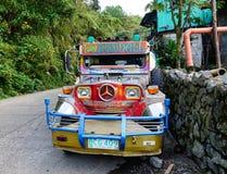 在Banaue乡的一jeepney在Ifugao,菲律宾 免版税图库摄影