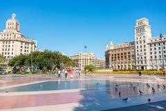在Banesto大厦附近的广场在巴塞罗那西班牙 免版税库存图片