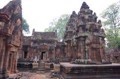 在Banteay Srei寺庙,柬埔寨的看法 库存照片