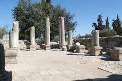 在Baram古老犹太教堂,以色列的专栏 免版税图库摄影