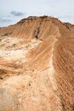 在Bardenas Reales, Navarra,西班牙的山土坎 免版税库存照片
