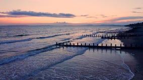 在Barmouth海滩的风雨如磐的暮色天空在威尔士,英国 股票视频