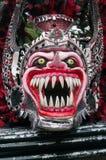 在Bayaguana狂欢节的妖怪面具  库存图片