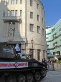 在BBC的顶面齿轮抗议 免版税图库摄影