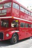 在Beatles天期间,伦敦公共汽车在贝卢诺, 免版税库存图片