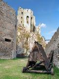 在Beckov之下城堡的攻城槌  库存图片