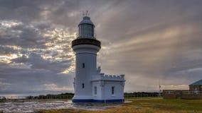 在Beecroft武器范围的点垂直光在杰维斯湾,NSW,澳大利亚 免版税库存照片